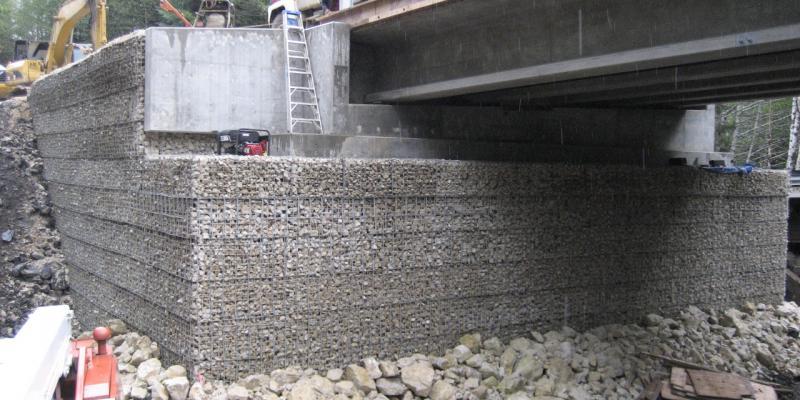 Welded Wire Wall MSE Bridge Abutment Slo Duc