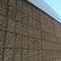 hybrid wall - welded wire face with grid reinforcements